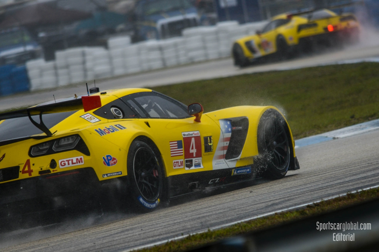 Battling Corvettes No 4 IMSA Nikon-D800-4712