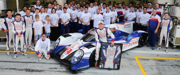 The team celebrate the retirement of Alex Wurz (AUT) Toyota Hybrid Racing World Endurance Championship. 6 Hours of Bahrain. 18th-21st November 2015. Bahrain International Circuit, Bahrain.
