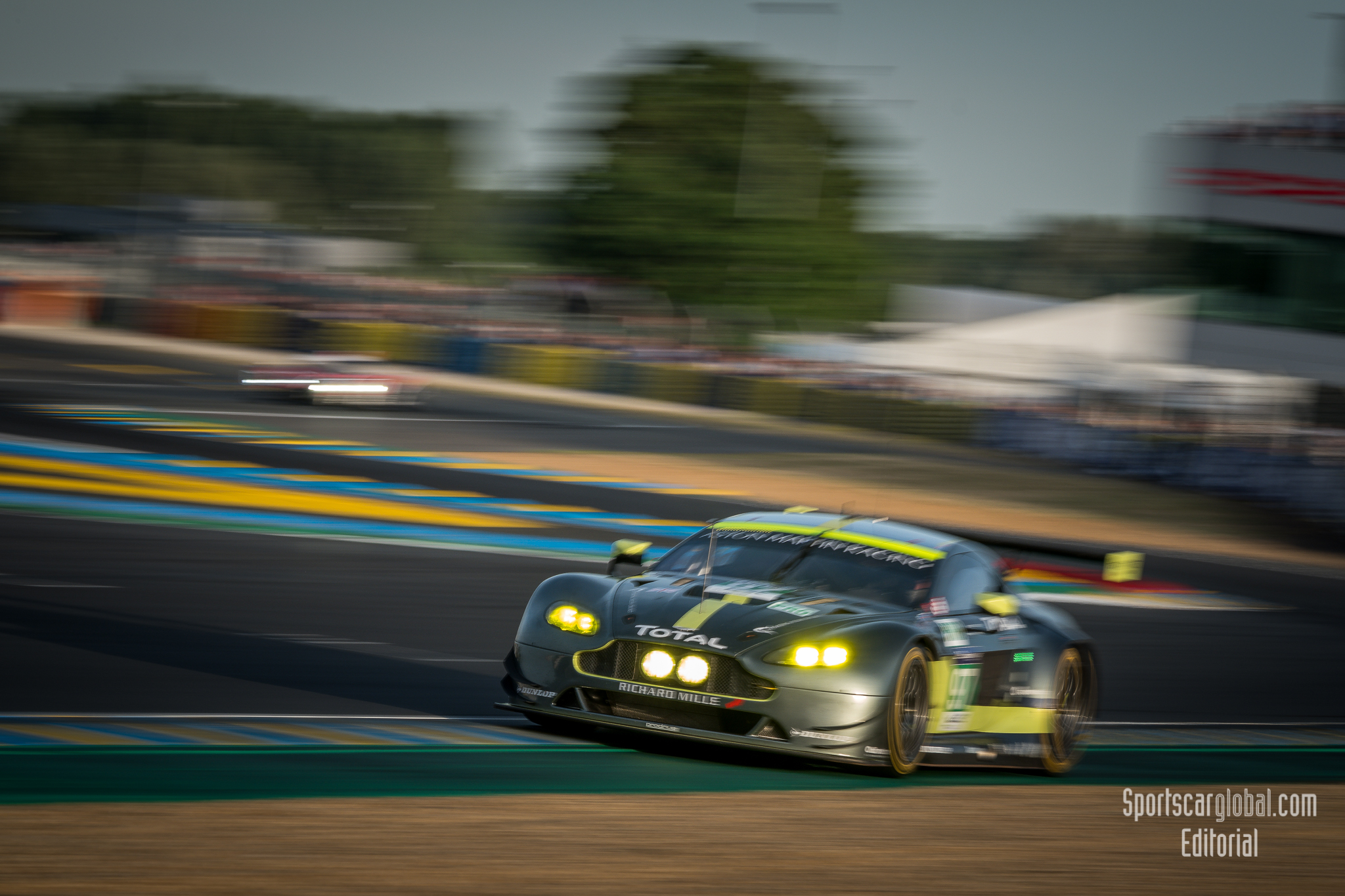 le mans: review – the gte battle | sportscarglobal